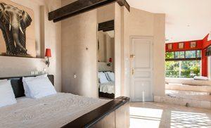 1 hotel 1 300x182 1 hotel